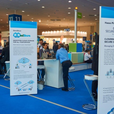 Workstations of the MAPPING winning teams at the CeBIT 2016, SCALE 11